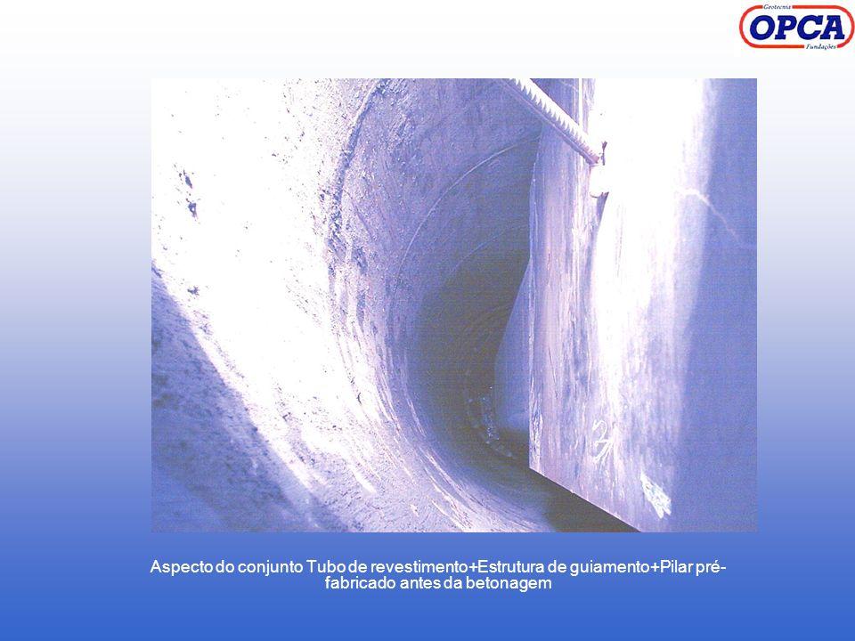 Aspecto do conjunto Tubo de revestimento+Estrutura de guiamento+Pilar pré-fabricado antes da betonagem