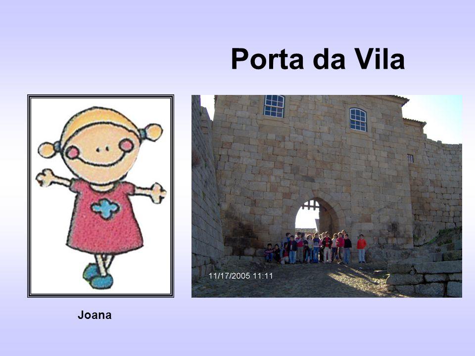 Porta da Vila Joana