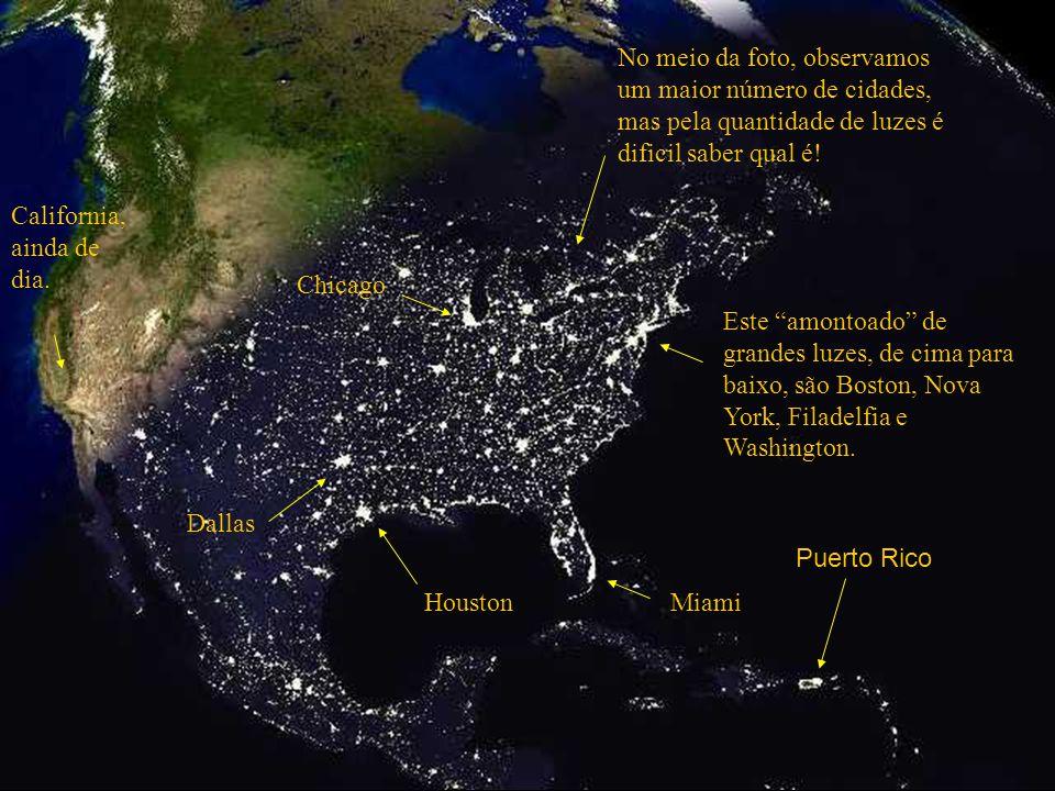 No meio da foto, observamos um maior número de cidades, mas pela quantidade de luzes é dificil saber qual é!