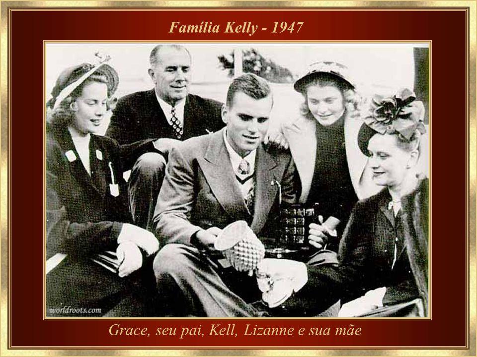 Grace, seu pai, Kell, Lizanne e sua mãe