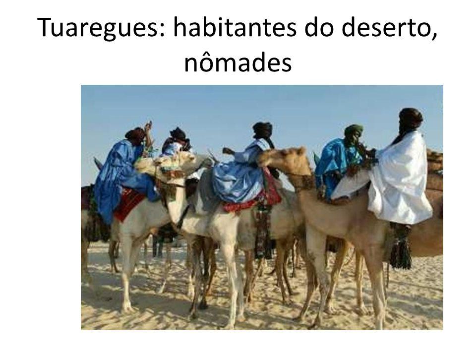 Tuaregues: habitantes do deserto, nômades
