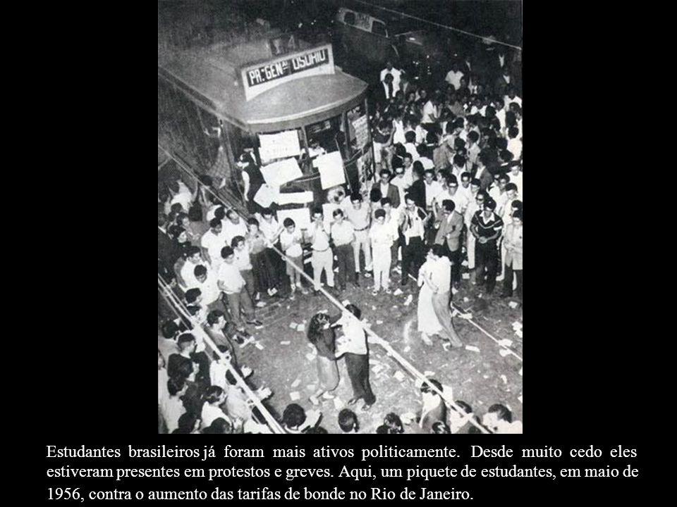Estudantes brasileiros já foram mais ativos politicamente