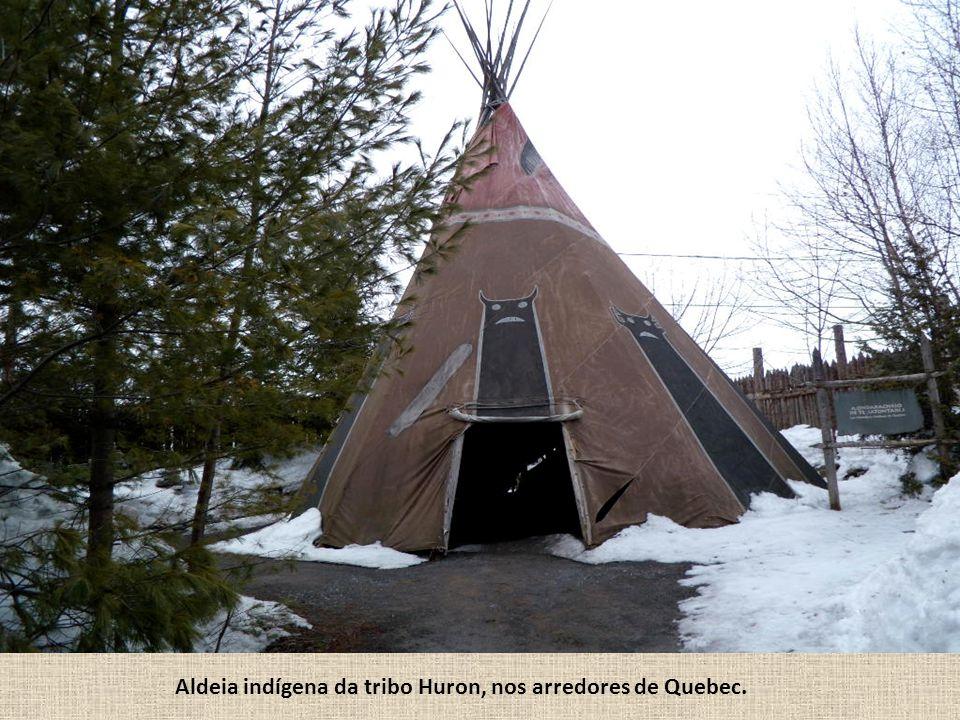 Aldeia indígena da tribo Huron, nos arredores de Quebec.