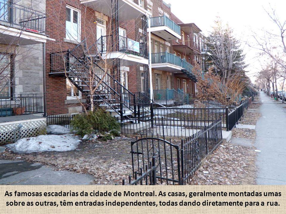As famosas escadarias da cidade de Montreal