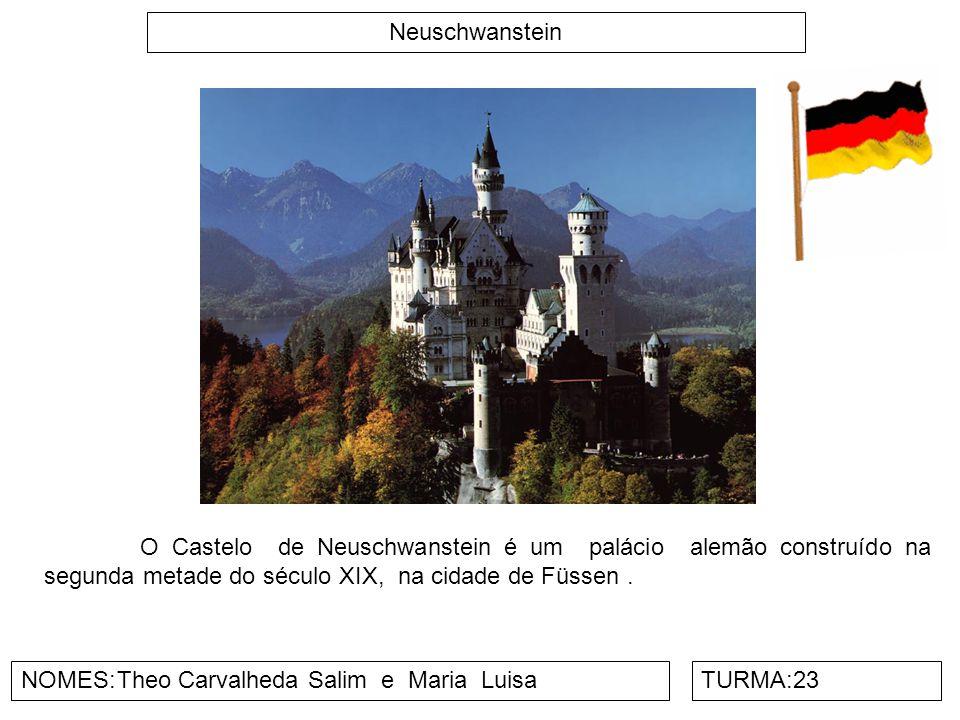 Neuschwanstein O Castelo de Neuschwanstein é um palácio alemão construído na segunda metade do século XIX, na cidade de Füssen .