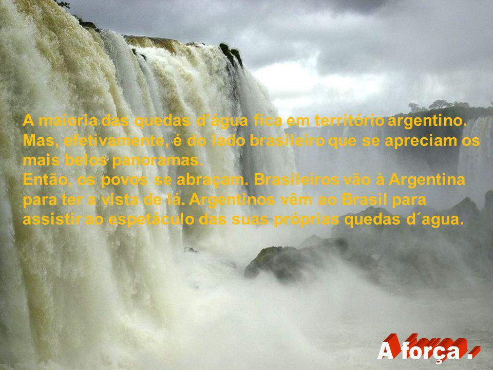 A maioria das quedas d'água fica em território argentino