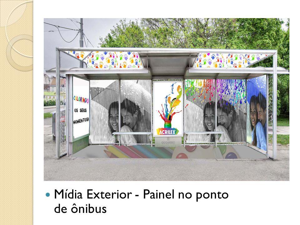 Mídia Exterior - Painel no ponto de ônibus
