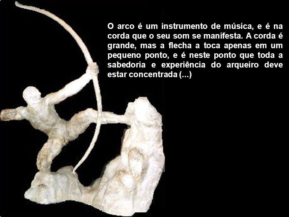 O arco é um instrumento de música, e é na corda que o seu som se manifesta.