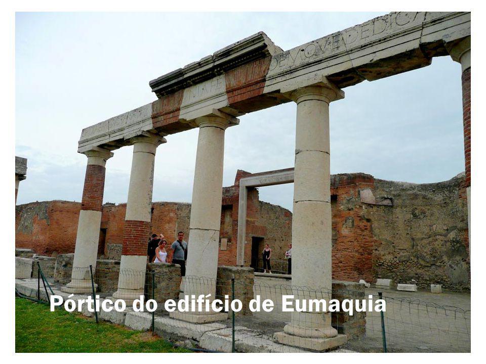 Pórtico do edifício de Eumaquia