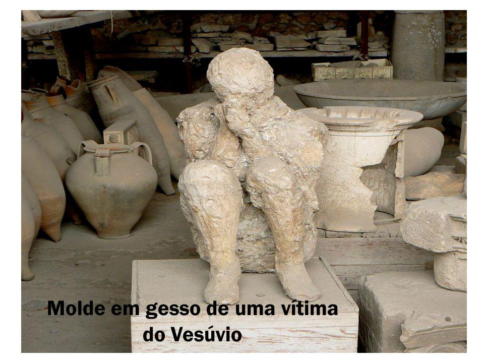Molde em gesso de uma vítima do Vesúvio