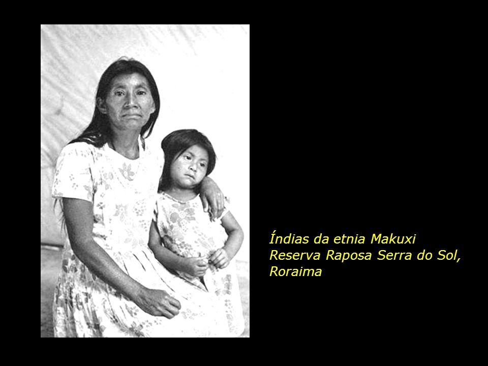 Índias da etnia Makuxi Reserva Raposa Serra do Sol, Roraima