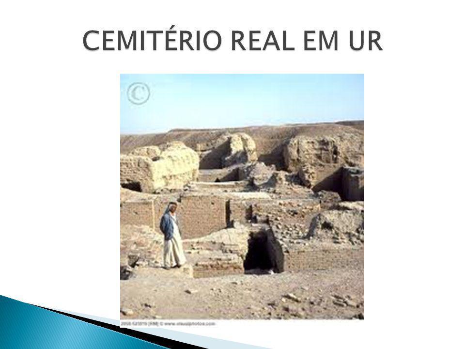 CEMITÉRIO REAL EM UR
