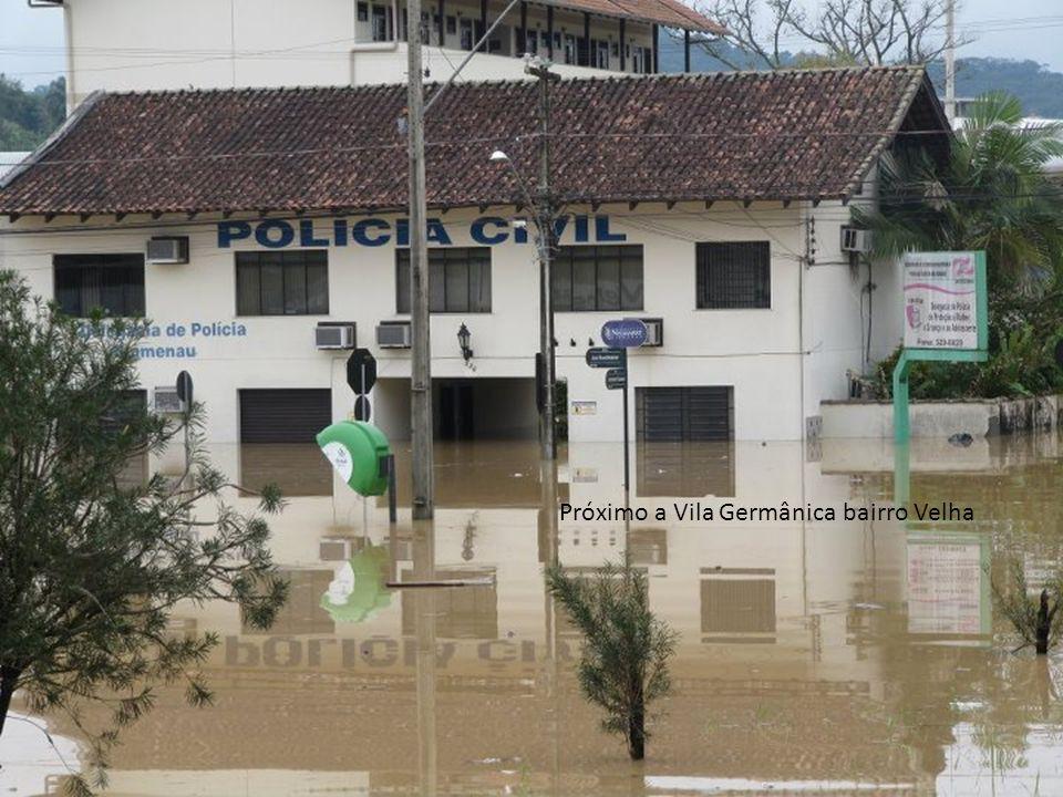 Próximo a Vila Germânica bairro Velha