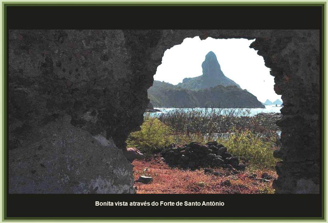 Bonita vista através do Forte de Santo Antônio