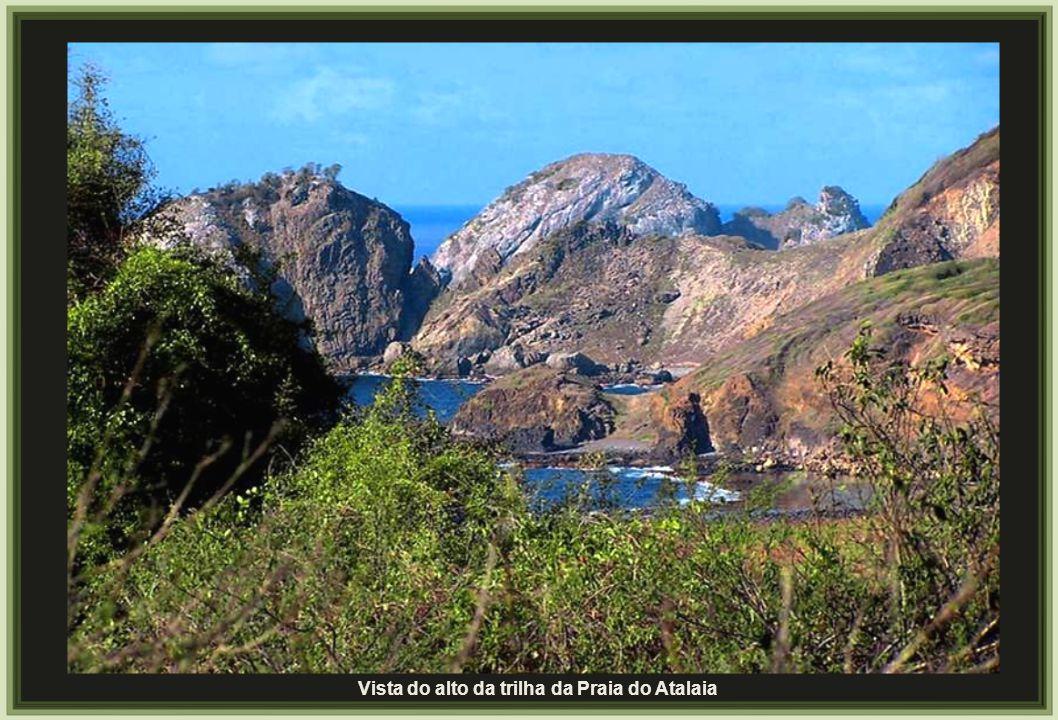 Vista do alto da trilha da Praia do Atalaia