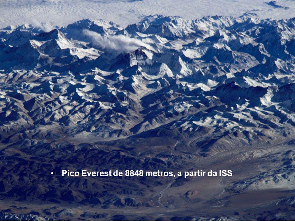 Pico Everest de 8848 metros, a partir da ISS