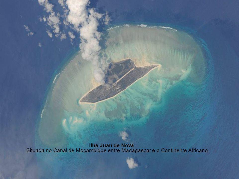 Ilha Juan de Nova Situada no Canal de Moçambique entre Madagascar e o Continente Africano.