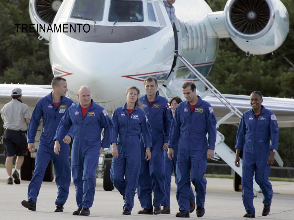 Treinamento Fonte: http://www.asc-csa.gc.ca/images/sts-118_tcdt_07.jpg
