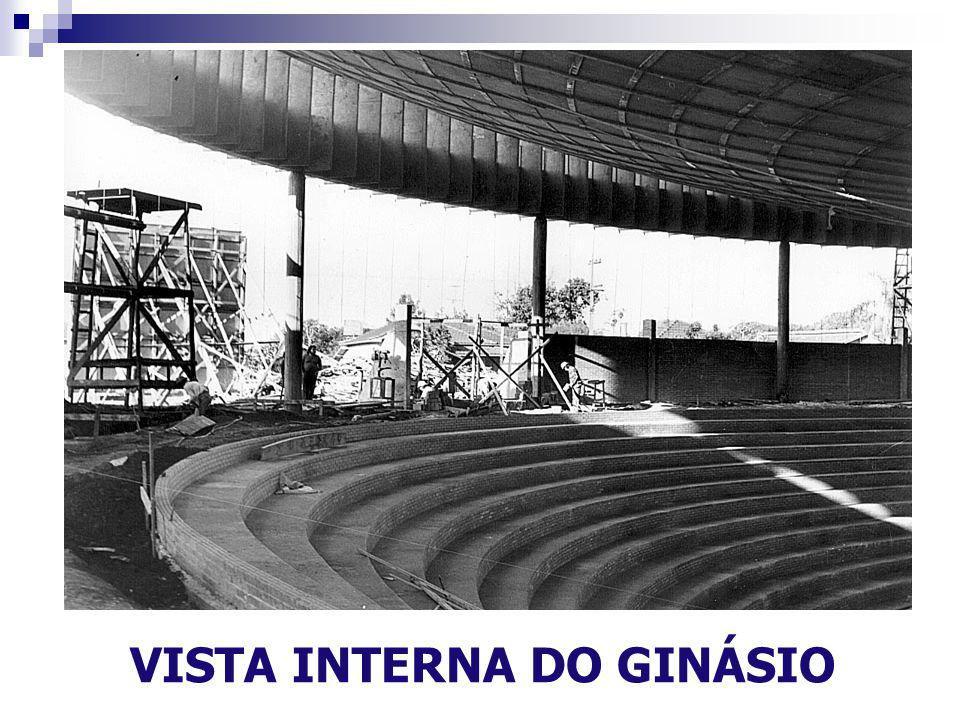 VISTA INTERNA DO GINÁSIO