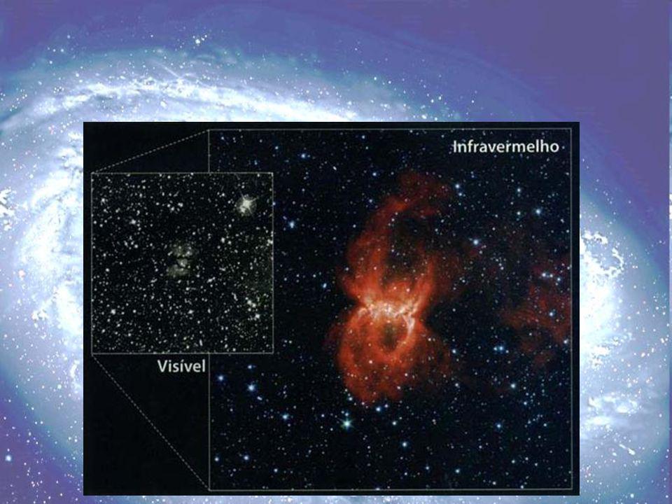 Comparação entre duas imagens da nebulosa da Viúva Negra na constelação sul de Circinus, a Bússola.
