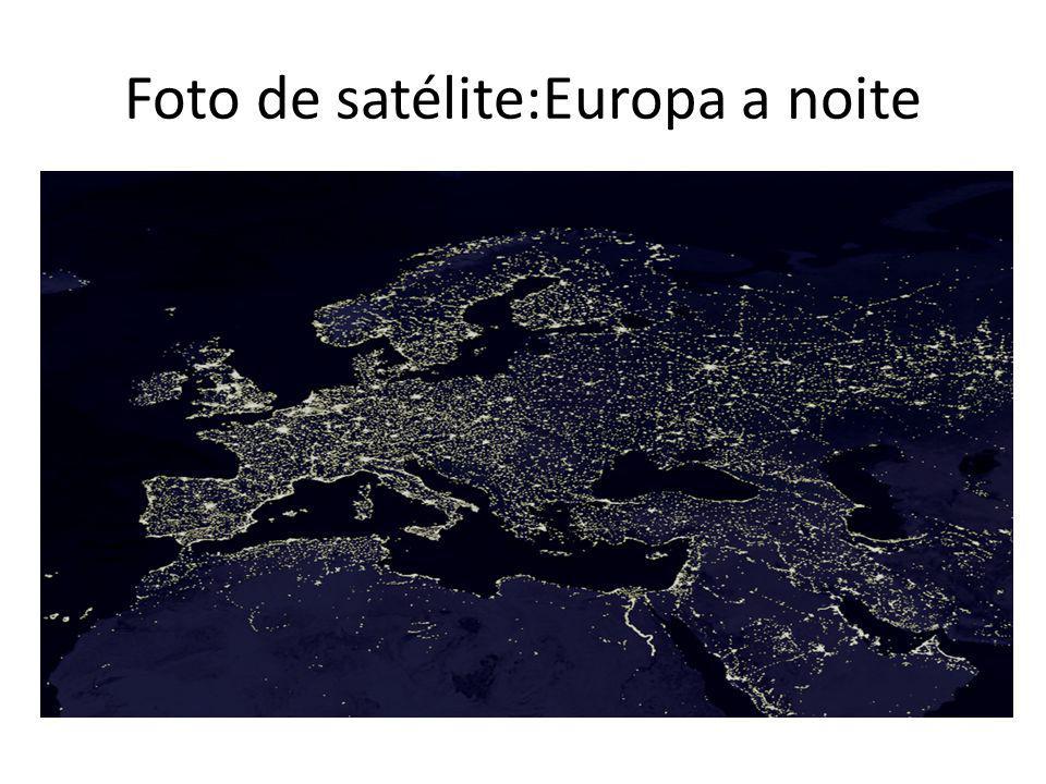 Foto de satélite:Europa a noite