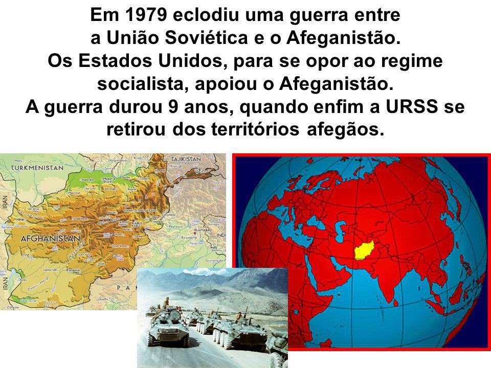 Em 1979 eclodiu uma guerra entre a União Soviética e o Afeganistão.
