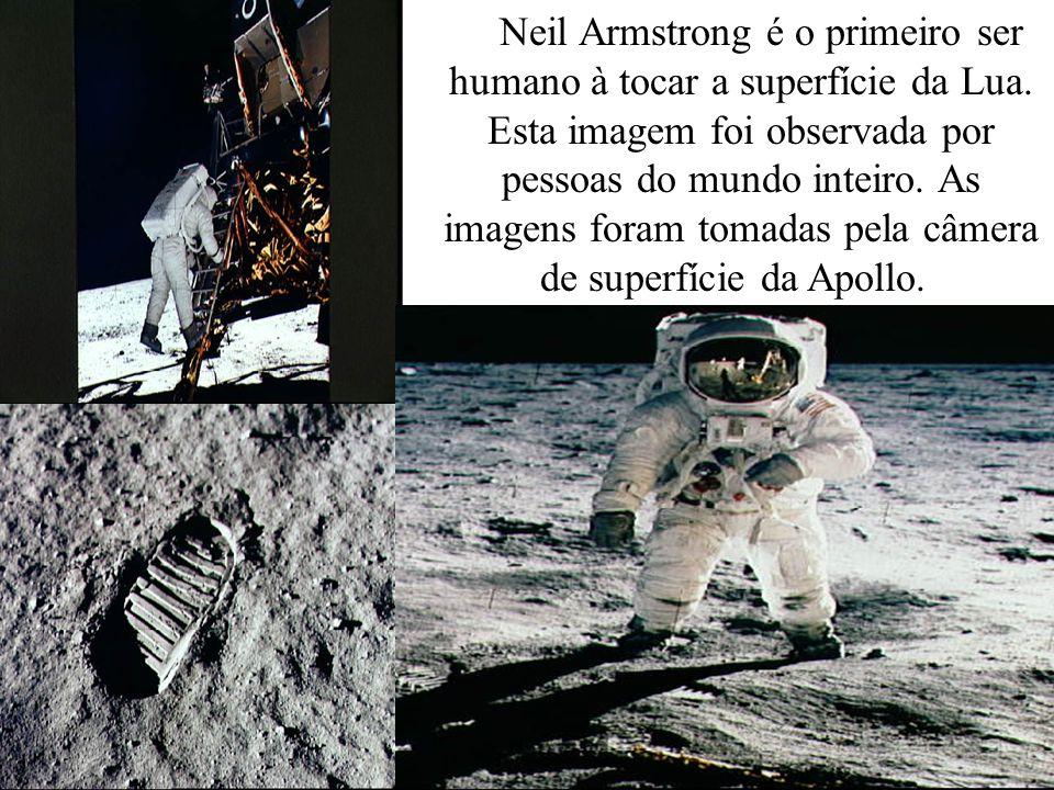 Neil Armstrong é o primeiro ser humano à tocar a superfície da Lua