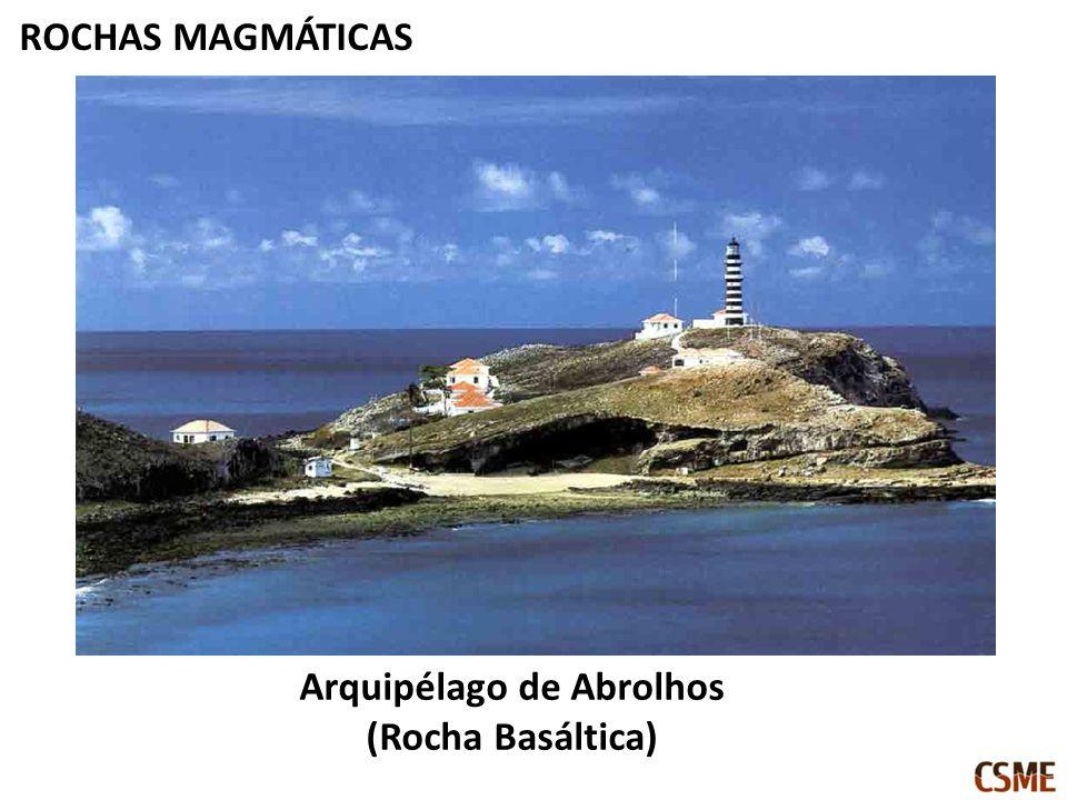 Arquipélago de Abrolhos (Rocha Basáltica)