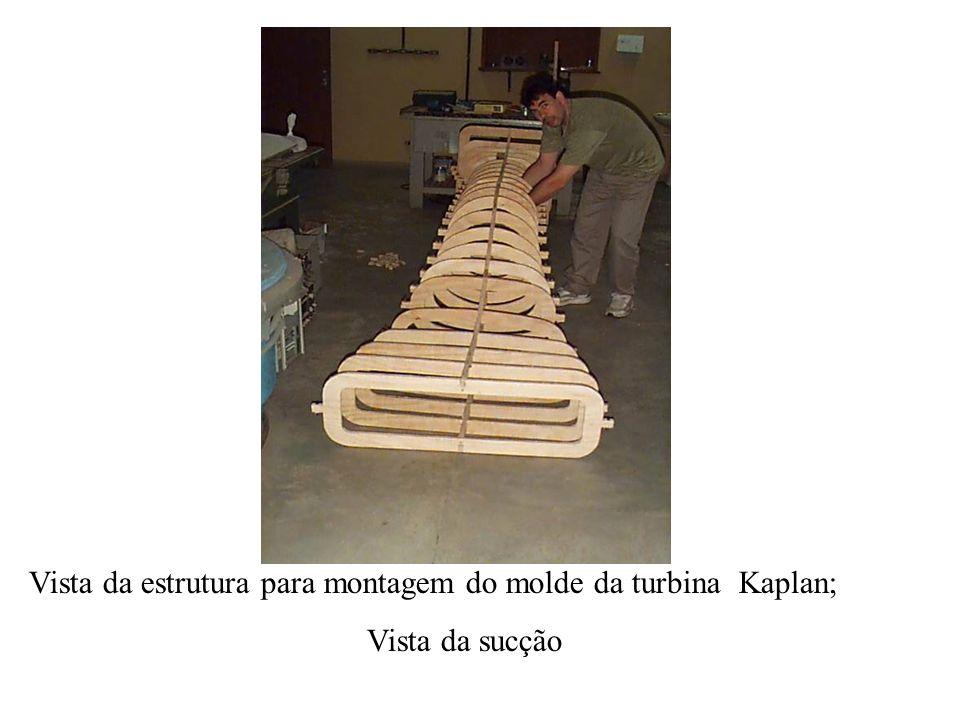 Vista da estrutura para montagem do molde da turbina Kaplan;
