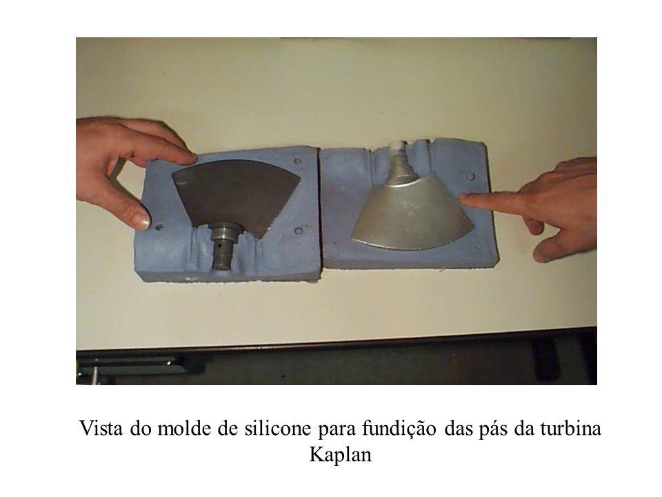 Vista do molde de silicone para fundição das pás da turbina Kaplan