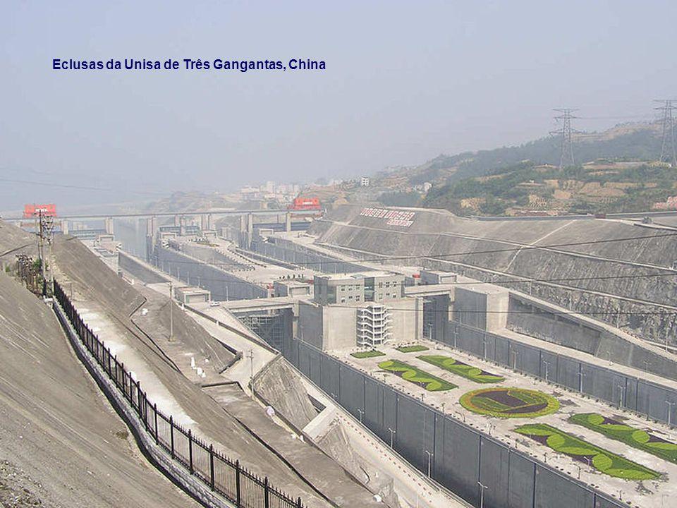 Eclusas da Unisa de Três Gangantas, China
