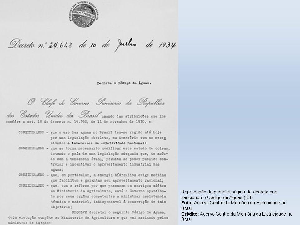 Reprodução da primeira página do decreto que sancionou o Código de Águas (RJ)
