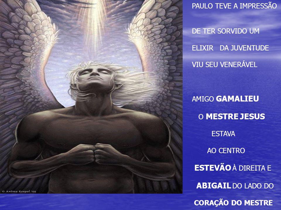 ESTEVÃO À DIREITA E PAULO TEVE A IMPRESSÃO DE TER SORVIDO UM