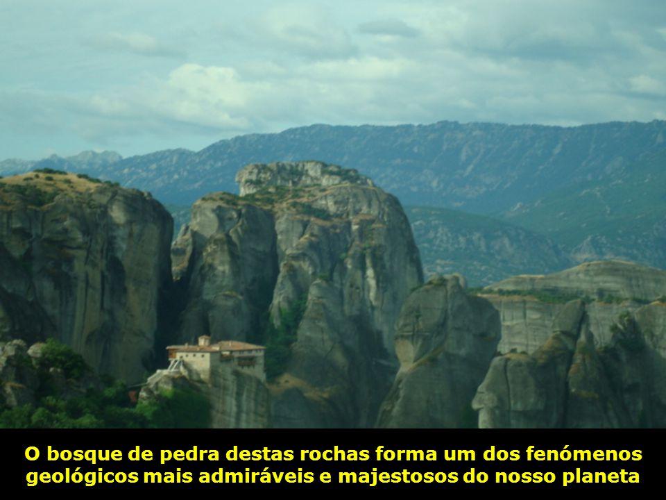 O bosque de pedra destas rochas forma um dos fenómenos geológicos mais admiráveis e majestosos do nosso planeta