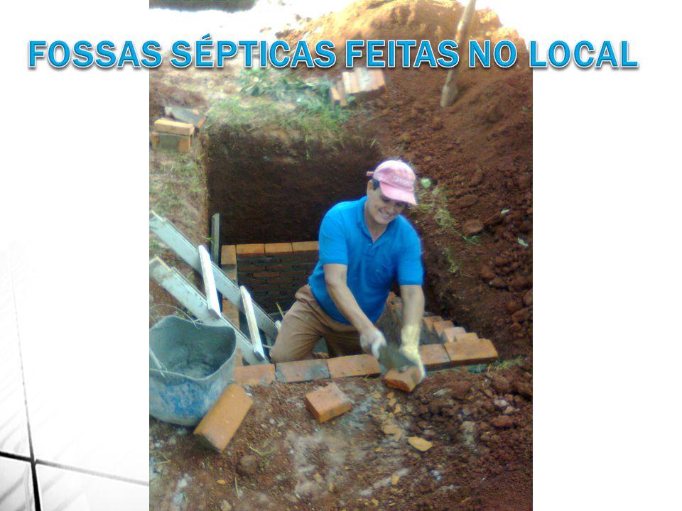 FOSSAS SÉPTICAS FEITAS NO LOCAL