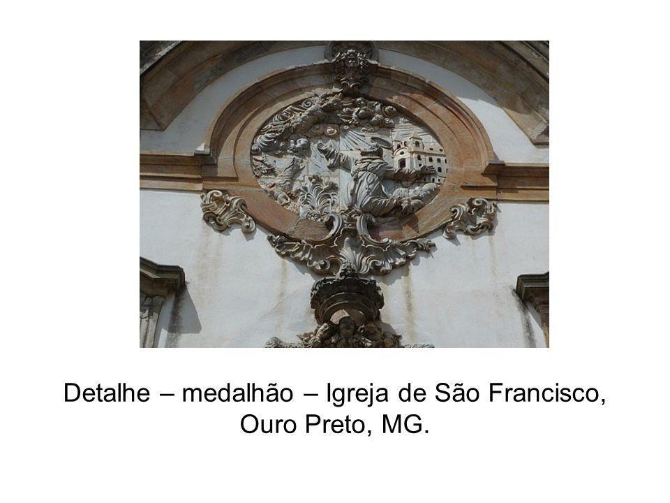 Detalhe – medalhão – Igreja de São Francisco, Ouro Preto, MG.