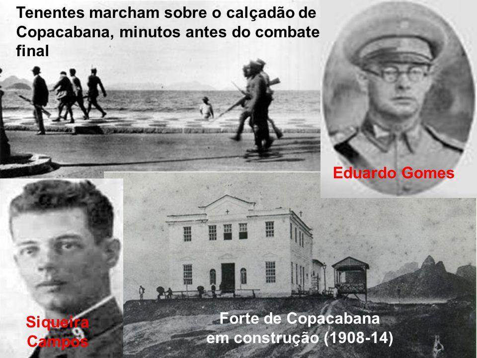 Tenentes marcham sobre o calçadão de Copacabana, minutos antes do combate final