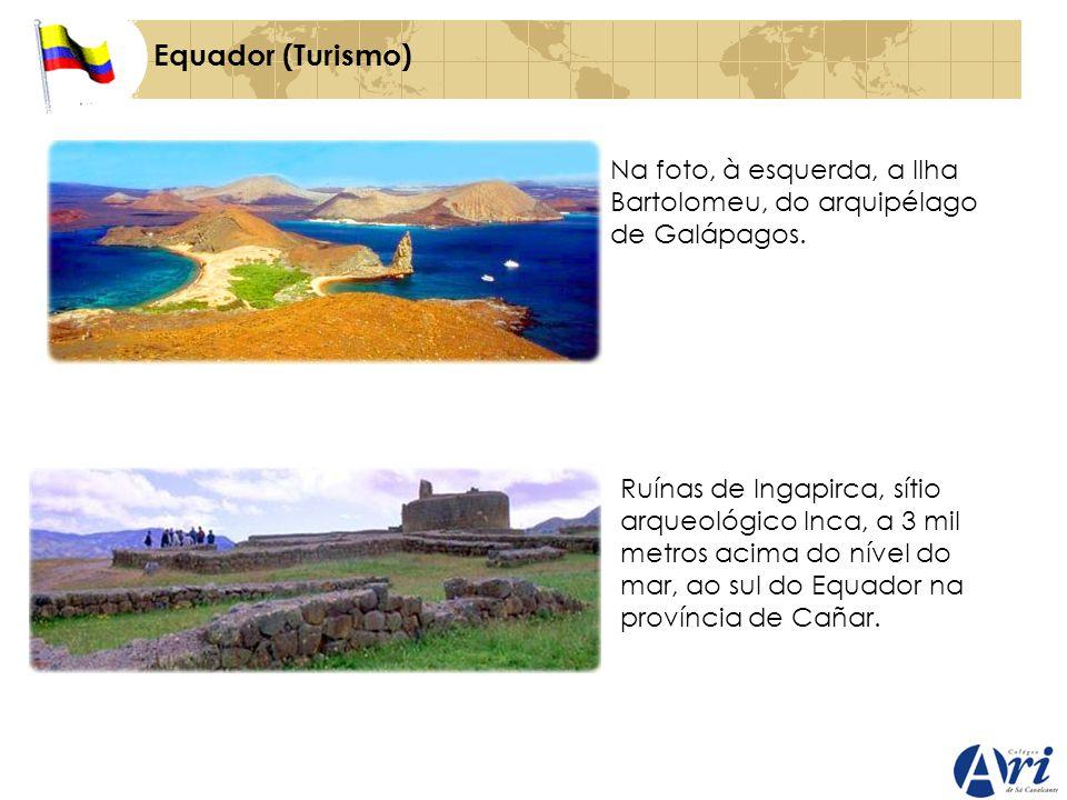 Equador (Turismo) Na foto, à esquerda, a Ilha Bartolomeu, do arquipélago de Galápagos.
