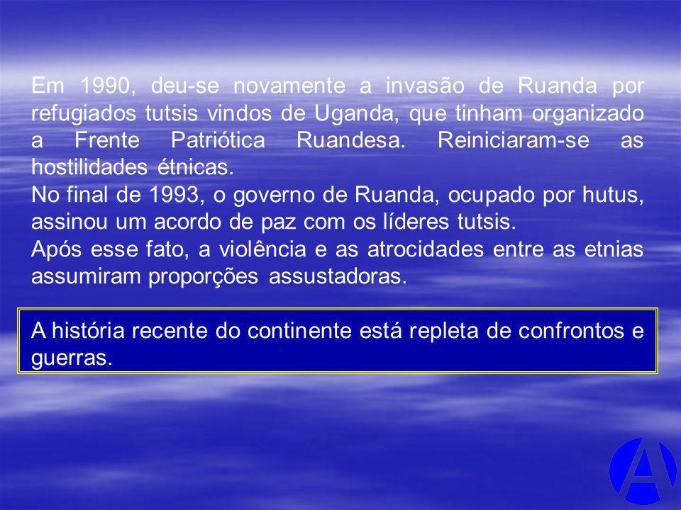 Em 1990, deu-se novamente a invasão de Ruanda por refugiados tutsis vindos de Uganda, que tinham organizado a Frente Patriótica Ruandesa. Reiniciaram-se as hostilidades étnicas.