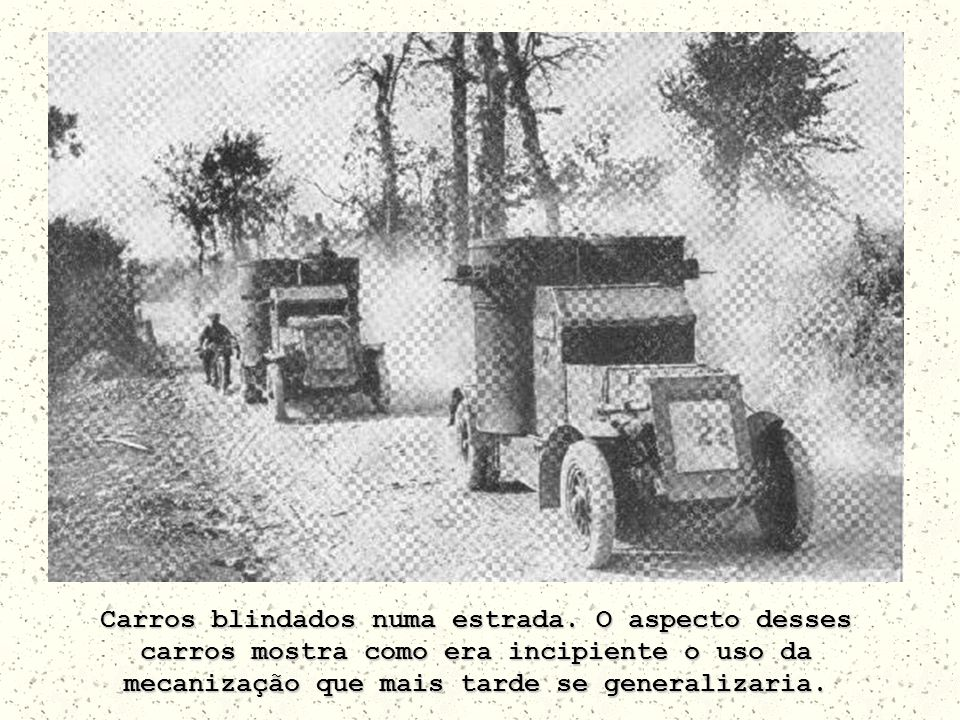 Carros blindados numa estrada