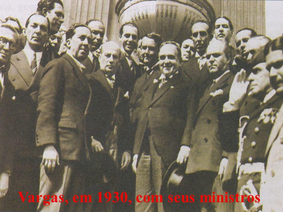 Vargas, em 1930, com seus ministros
