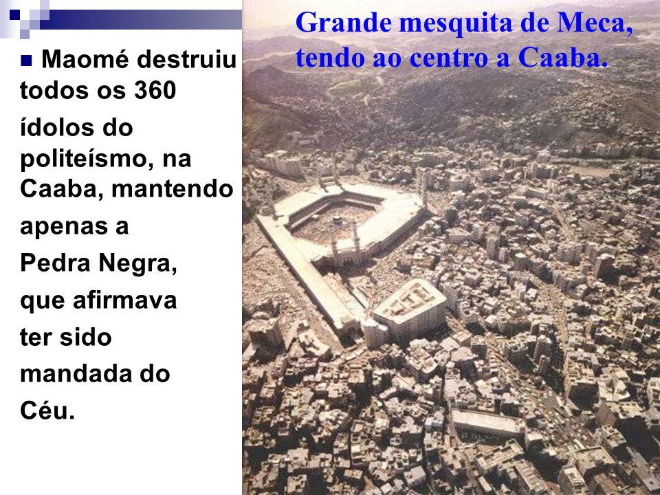 Grande mesquita de Meca, tendo ao centro a Caaba.