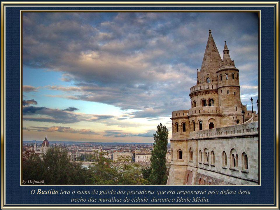 O Bastião leva o nome da guilda dos pescadores que era responsável pela defesa deste trecho das muralhas da cidade durante a Idade Média.