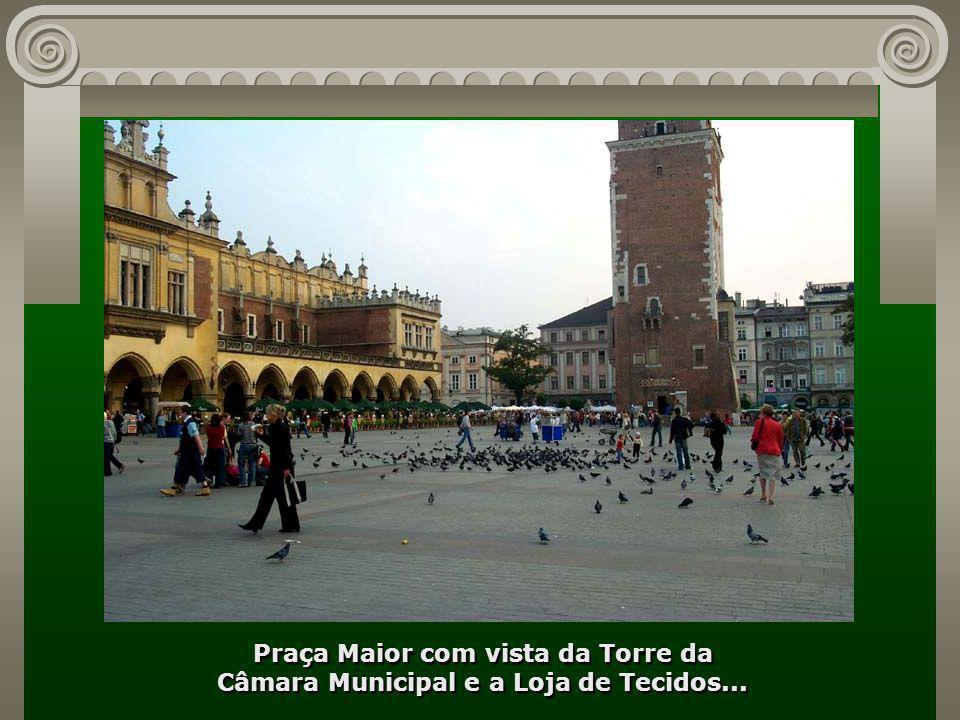 Praça Maior com vista da Torre da Câmara Municipal e a Loja de Tecidos...