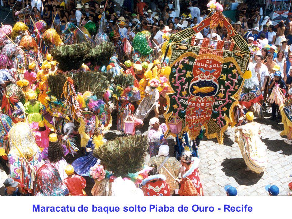Maracatu de baque solto Piaba de Ouro - Recife