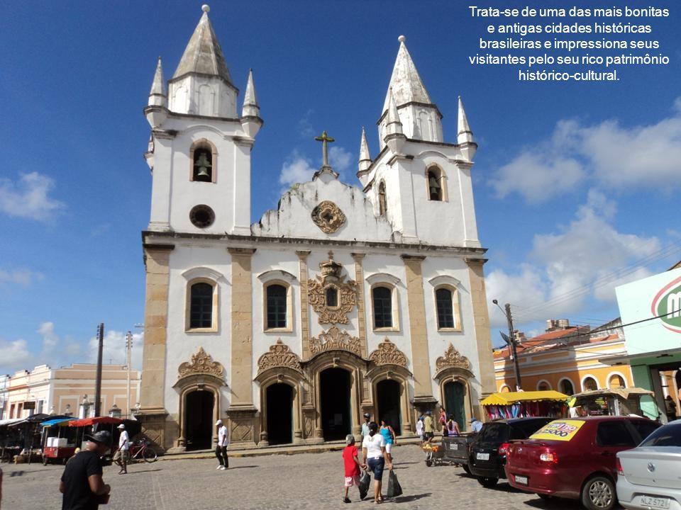 Trata-se de uma das mais bonitas e antigas cidades históricas brasileiras e impressiona seus visitantes pelo seu rico patrimônio histórico-cultural.
