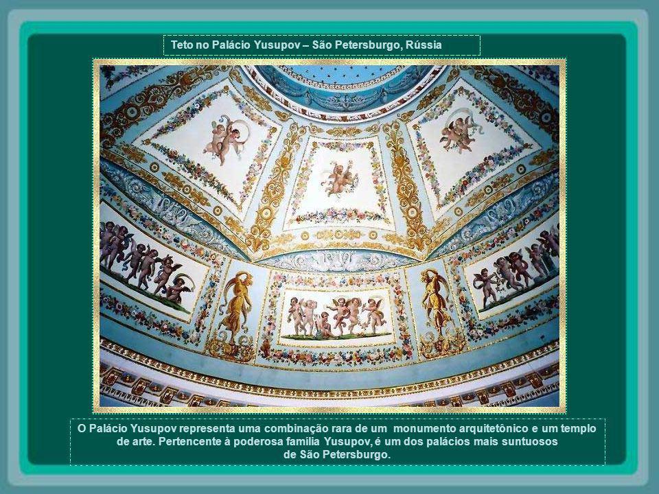 Teto no Palácio Yusupov – São Petersburgo, Rússia
