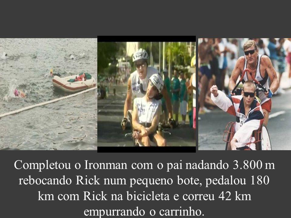 Completou o Ironman com o pai nadando 3