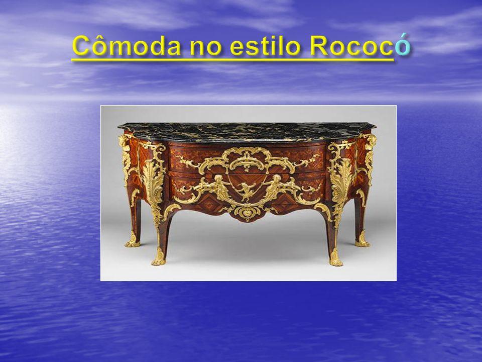 Cômoda no estilo Rococó