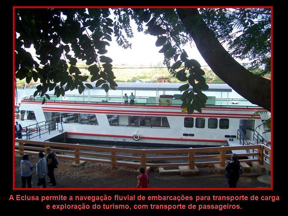e exploração do turismo, com transporte de passageiros.